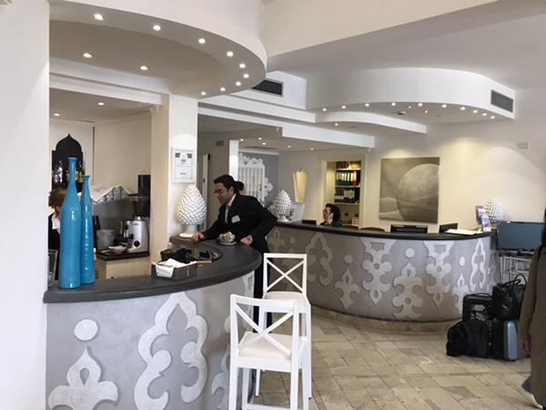 Hotel Mea 滞在記レセプション