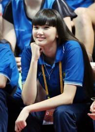 duduk-dan-senyum-Sabina-Altynbekova