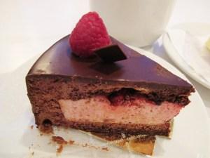 Schokoladenkuchen mit Himbeerfüllung