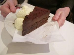 Brownie mit purer Schokolade