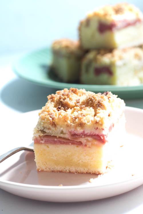 Buttermilchkuchen mit Rhabarber