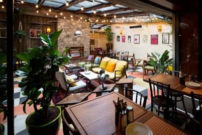 dishoom-carnaby-london-sixties-indian-restaurant-Terrace_John-Carey