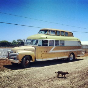 DIY-Mobile-Homes-Handcrafted-Bus-1