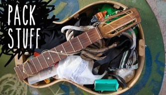 fold-up-travel-guitar-pack-stuff-700