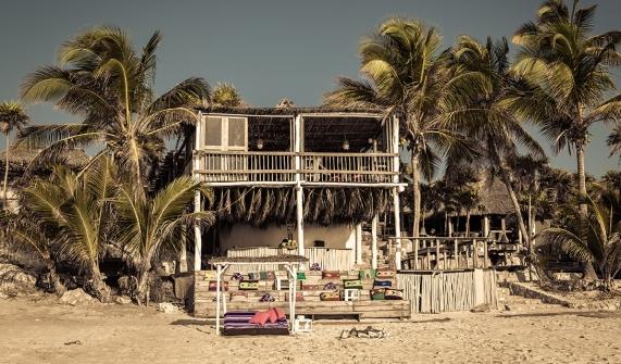papaya-playa-project-architecture-bar-beach-m-01-x2