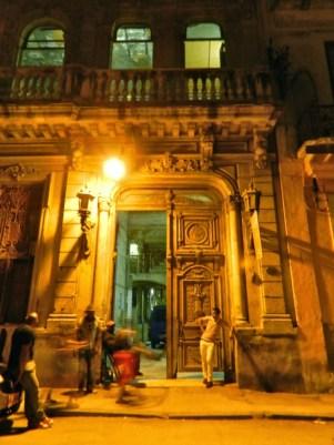 23-LA-GUARIDA-restaurantes-e-bares-de-Havana-Vieja-dicas-de-viagem-CUBA-768x1024