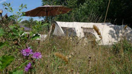 6508-Camping Le Peyral Bardani ingerichte tent