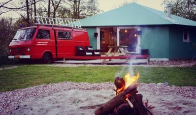 bijzonder-overnachten-in-een-brandweerbus-1