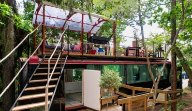 bus-converted-cabin-rooftop-deck-015-600x349