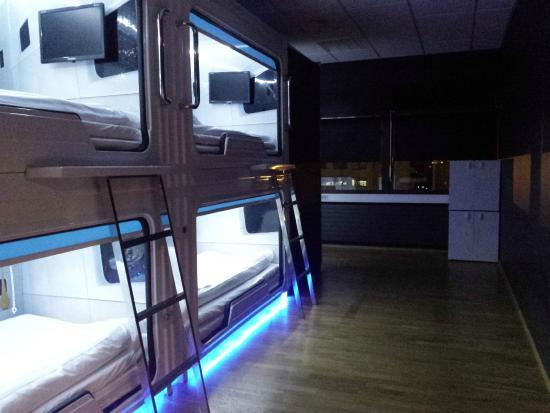 galaxy-pod-hostel