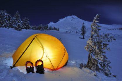 winter-camping-hacks