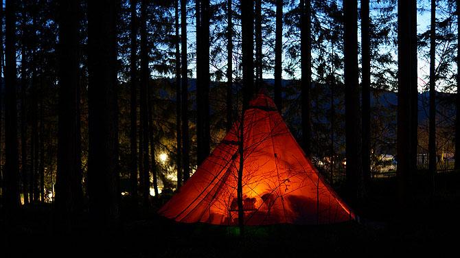 raff-taff-camp-schluchsee-nachts