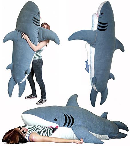 creative-sleeping-bags-shark
