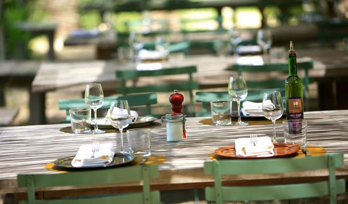 la-chassagnette-restaurant-arles-restaurant-garden-arles