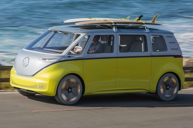 Volkswagen-ID-Buzz-concept-at-Pebble-Beach-front-three-quarter-motion-crop