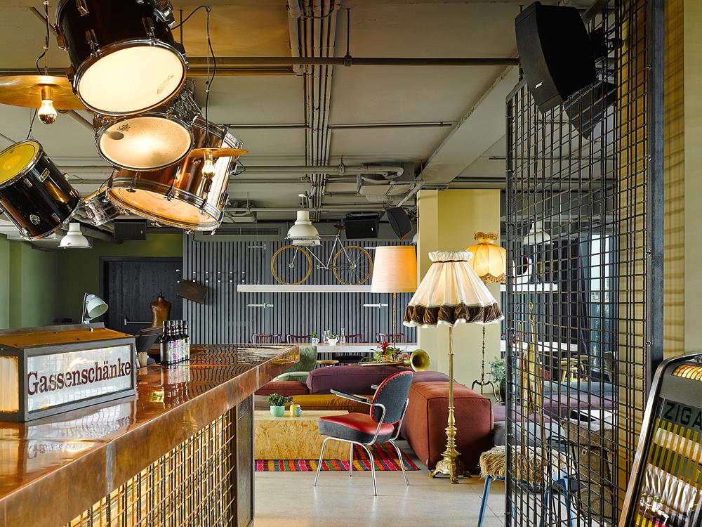 25hours_Hotel_Wien_beim_MuseumsQuartier_Dachboden_Bar_2_klein