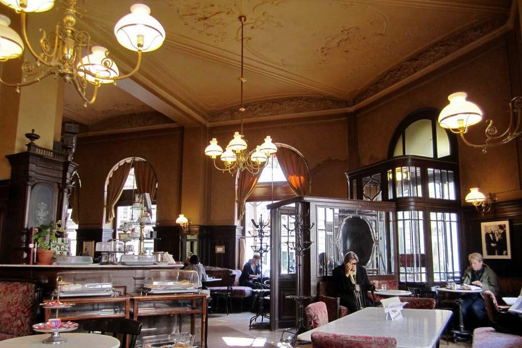 Vienna-coffee-house-Café-Sperl