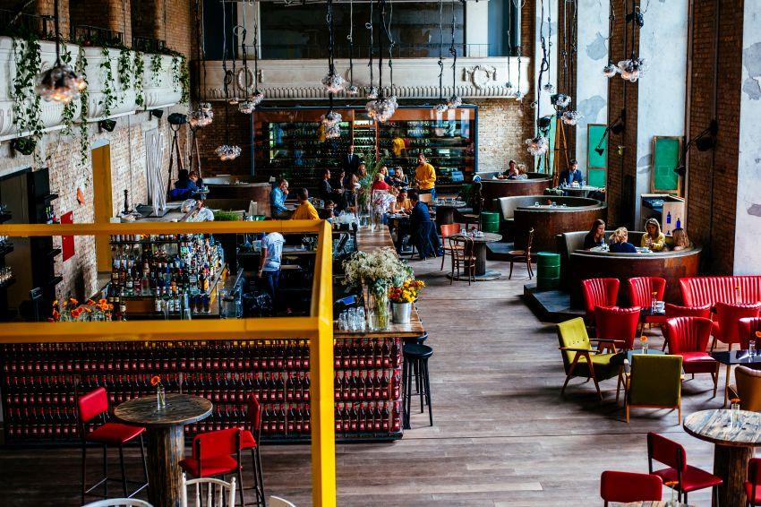 1819fff4aacfef5a679e21cea9ed2e31KIOSK Restaurant indoor_Budapest_Hungary