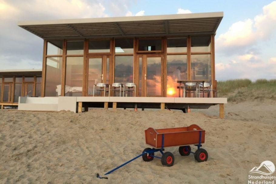 Strandhuisjes-Cadzand-1-1024x684