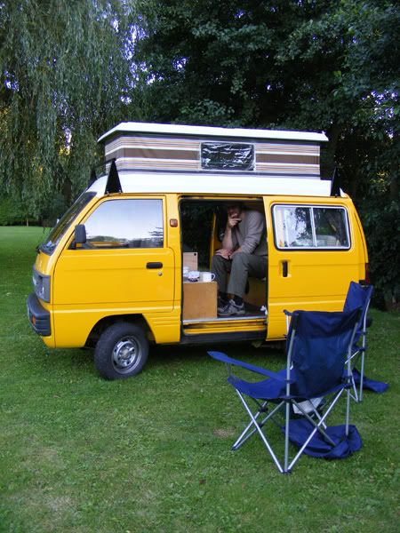 3be19faac707a820955ac1e81060de4b--car-camper-mini-camper
