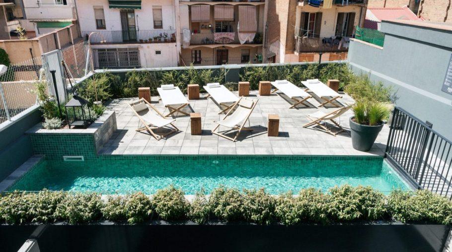 hotel-brummell-pool-barcelona-1600x893