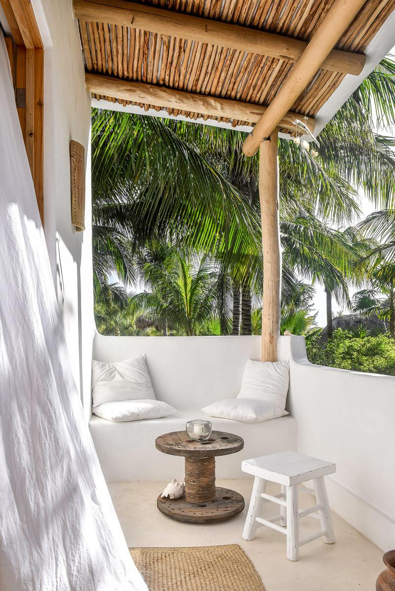 cihi-balcony