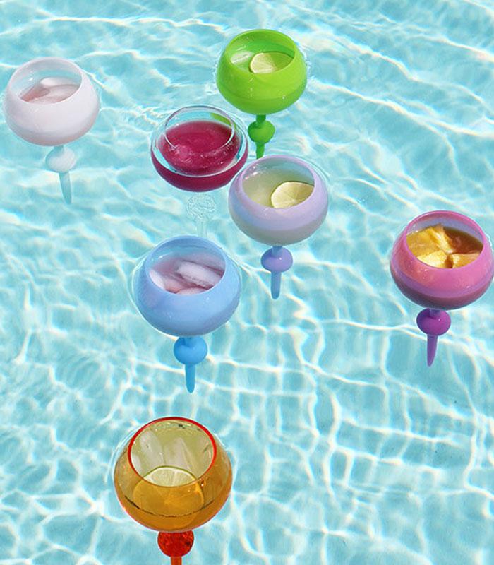 Beach-pool-wine-glass-2
