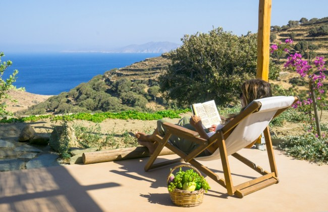 Tinos-ecolodge_small-house-terrace