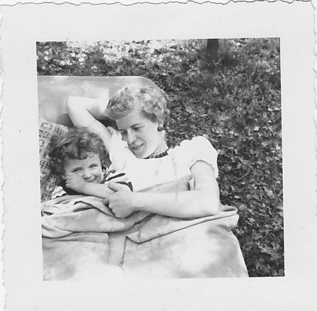 1955-Pfingsten, Doris und Ingeborg Käthe Helene Vollmar