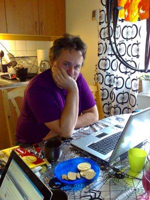 Jerry v datorn hos Anna