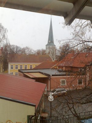 Kyrkan mitt i byn