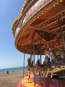 Karusell vid stranden.