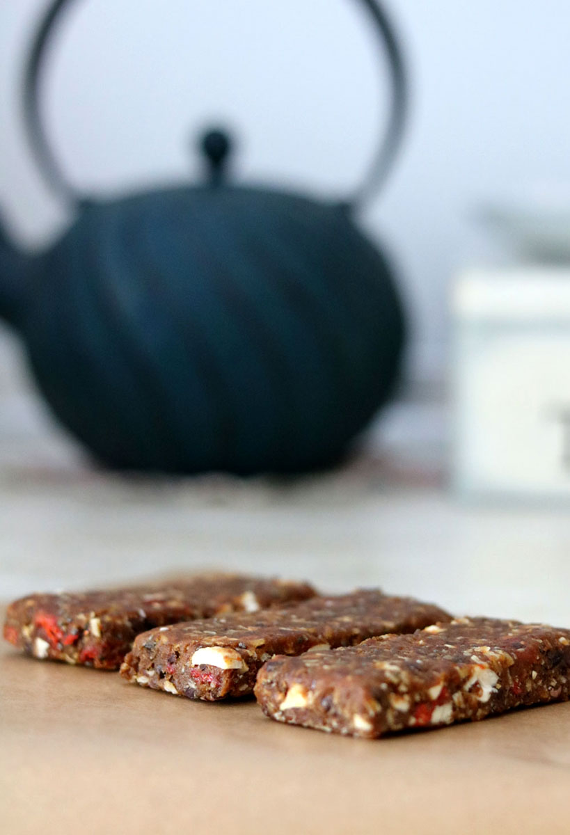 Homemade date energy bars | Tofobo Family