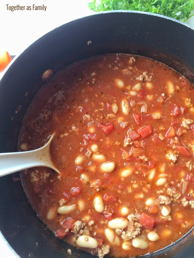 WHITE BEAN TURKEY CHILI | www.togetherasfamily.com