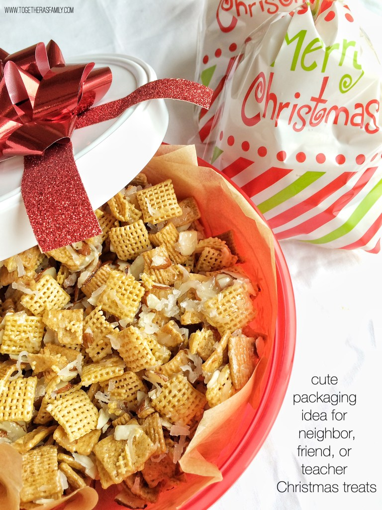 HOLIDAY CHEX MIX | cute packaging idea for teacher and/or neighbor treats! www.togetherasfamily.com