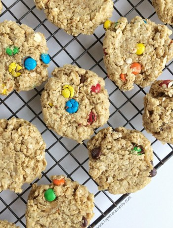 Soft baked, thick, and loaded with oats, peanut butter, and chocolate! These cookies are the best.