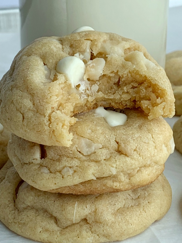 White Chocolate Macadamia Nut Pudding Cookies | Pudding Cookies | Cooke Recipes| White Chocolate Macadamia Nut Cookies are thick, sweet, and stay soft for days thanks to the white chocolate pudding mix! A brown sugar cookie base loaded with white chocolate chips and macadamia nuts. #cookies #cookierecipes #recipeoftheday #desserts