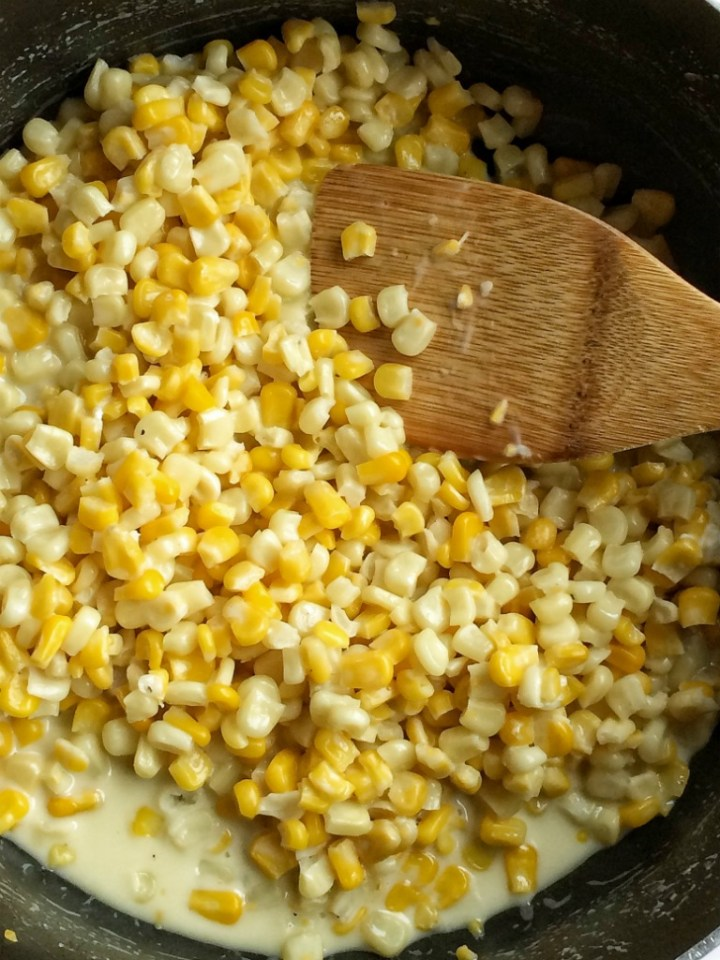{10 minute} Honey Butter Creamy Skillet Corn
