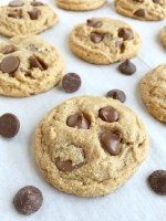 No flour peanut butter chocolate chip cookies are a simple cookie to make, perfect for those with a gluten allergy, and super quick to make! Only a few pantry staple ingredients is all you need for a deliciously sweet cookie with no flour and loaded with peanut butter and chocolate.
