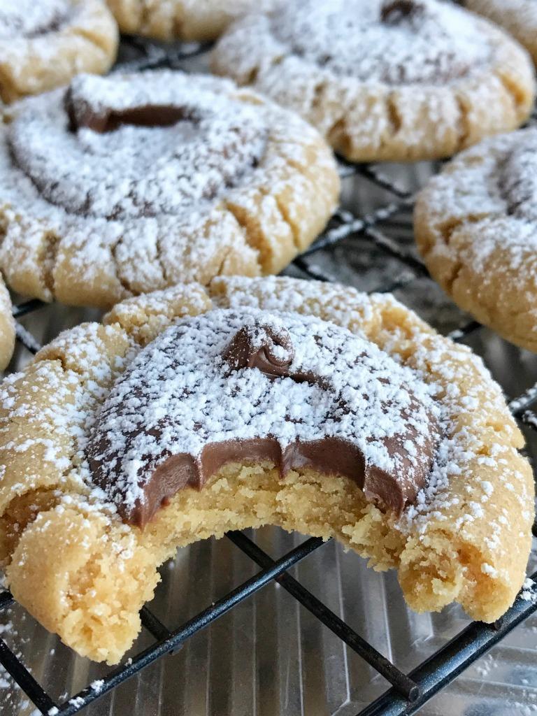muddy buddy peanut butter cookies - Christmas Peanut Butter Cookies