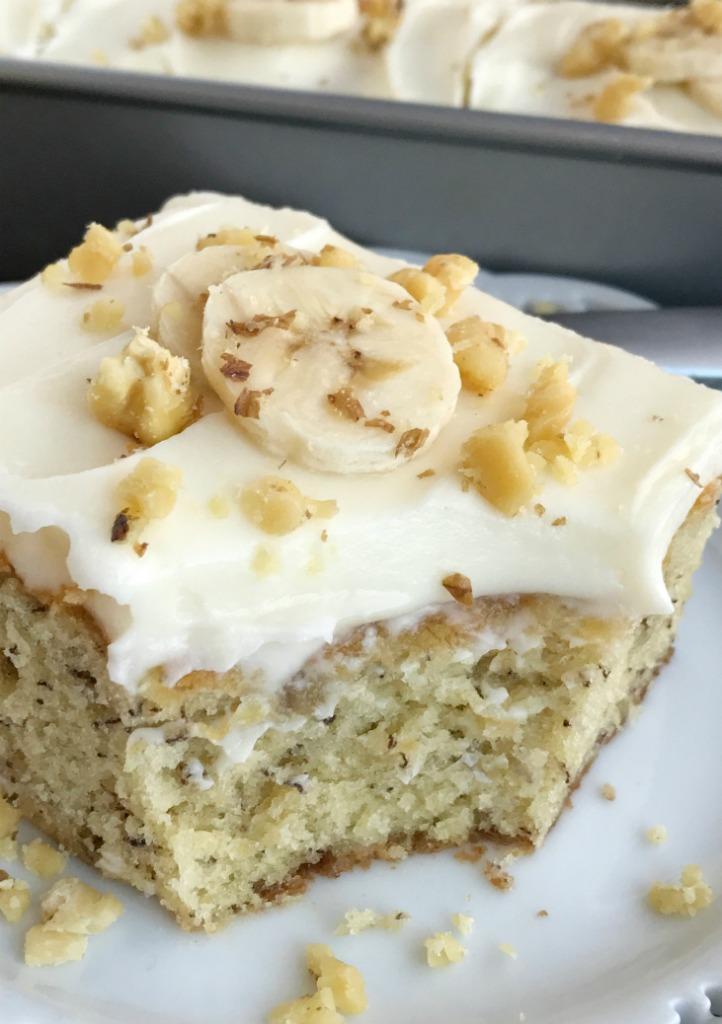 Cheese Cake With Powdered Sugar Cream Cheese And Whipping Cream