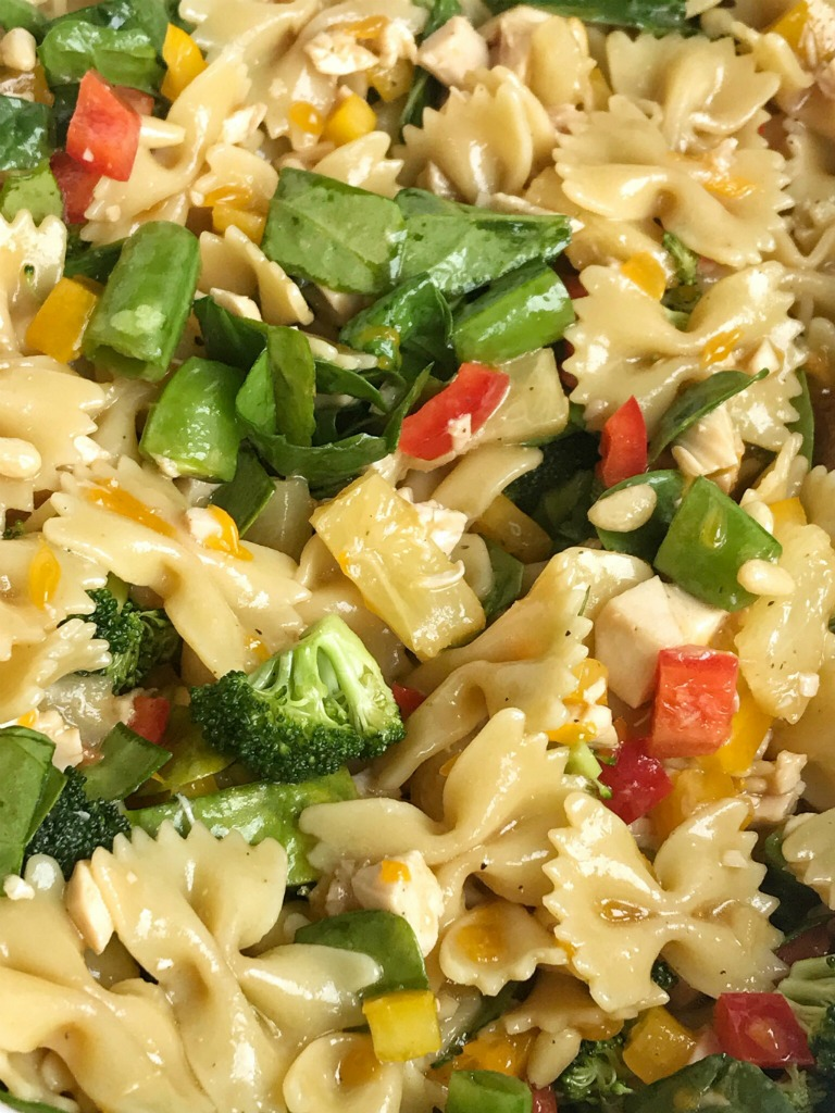 Teriyaki Chicken Pasta Salad   Pasta Salad   Side Dish   Chicken   Teriyaki   Teriyaki Chicken Pasta Salad is a fun twist to traditional pasta salad. Chunks of chicken, bell peppers, spinach, broccoli, snap peas, mandarin oranges, and pineapple tidbits covered in an easy and homemade teriyaki dressing. #recipe #salad #pastasalad #chicken
