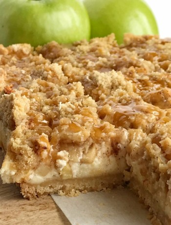 Caramel Apple Cheesecake Bars | Cheesecake Bars | Apple Dessert | Caramel | Caramel apple cheesecake bars with creamy apple cheesecake, brown sugar oat crumble, and caramel sauce. So irresistibly good and perfect apple dessert for Fall. #applerecipes #fallrecipe #caramelapple #cheesecake #cheesecakebars #dessertrecipe #easydessertrecipes