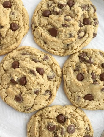 Giant Oatmeal Chocolate Chip Cookies   Oatmeal Cookies   Chocolate Chip Cookies   The best oatmeal chocolate chip cookies! Soft, chewy, thick, and giant sized. Cause who doesn't need a giant cookie in their life?! Simple ingredients for the best and heartiest cookie recipe. #cookierecipe #easydessertrecipe #oatmealchocolatechipcookies #recipeoftheday #cookies