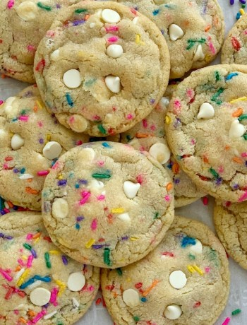 White Chocolate Funfetti Pudding Cookies | Pudding Cookie Recipe | Funfetti Cookies | Funfetti Cookies are loaded with white chocolate, funfetti sprinkles, and instant pudding mix which makes them so thick, chewy, buttery, and soft-baked! These funfetti cookies will stay soft for days! #cookierecipe #cookies #puddingcookies #dessertrecipe #easyrecipe #recipeoftheday