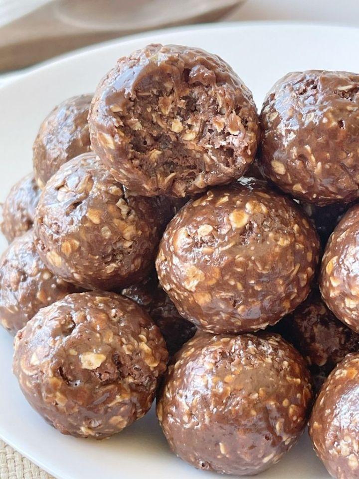 Chocolate Peanut Butter Granola Bites