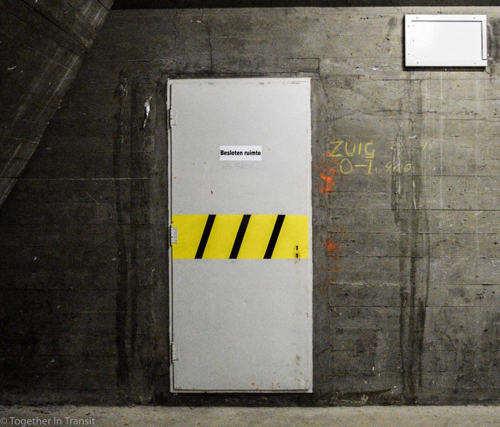 Maastunnel tour storage door