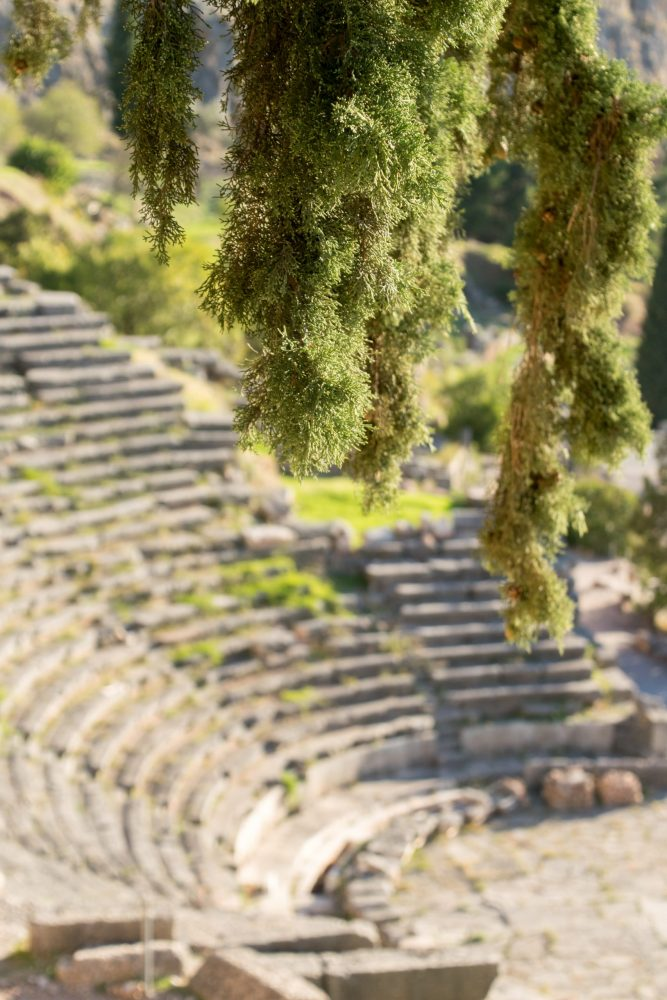 Ancient Delphi: Sanctuary, Historical Ruins and Greek Mountain Paradise - Sharing one of the top places you should visit for gorgeous #Greece mountains & historical sites! #travel #vacation #Delphi