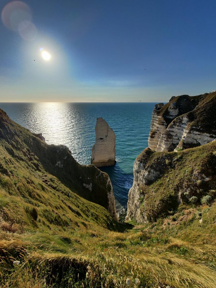The sea view above the white cliffs
