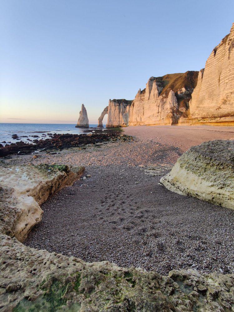 pebbled beach of Etretat